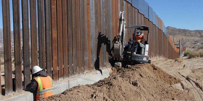tembok-pembatas